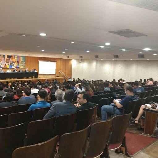 Evento no principal auditório da Faculdade de Direito