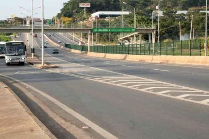 A Linha Verde, obra viária que liga Belo Horizonte ao Aeroporto de Confins, foi analisada no livro