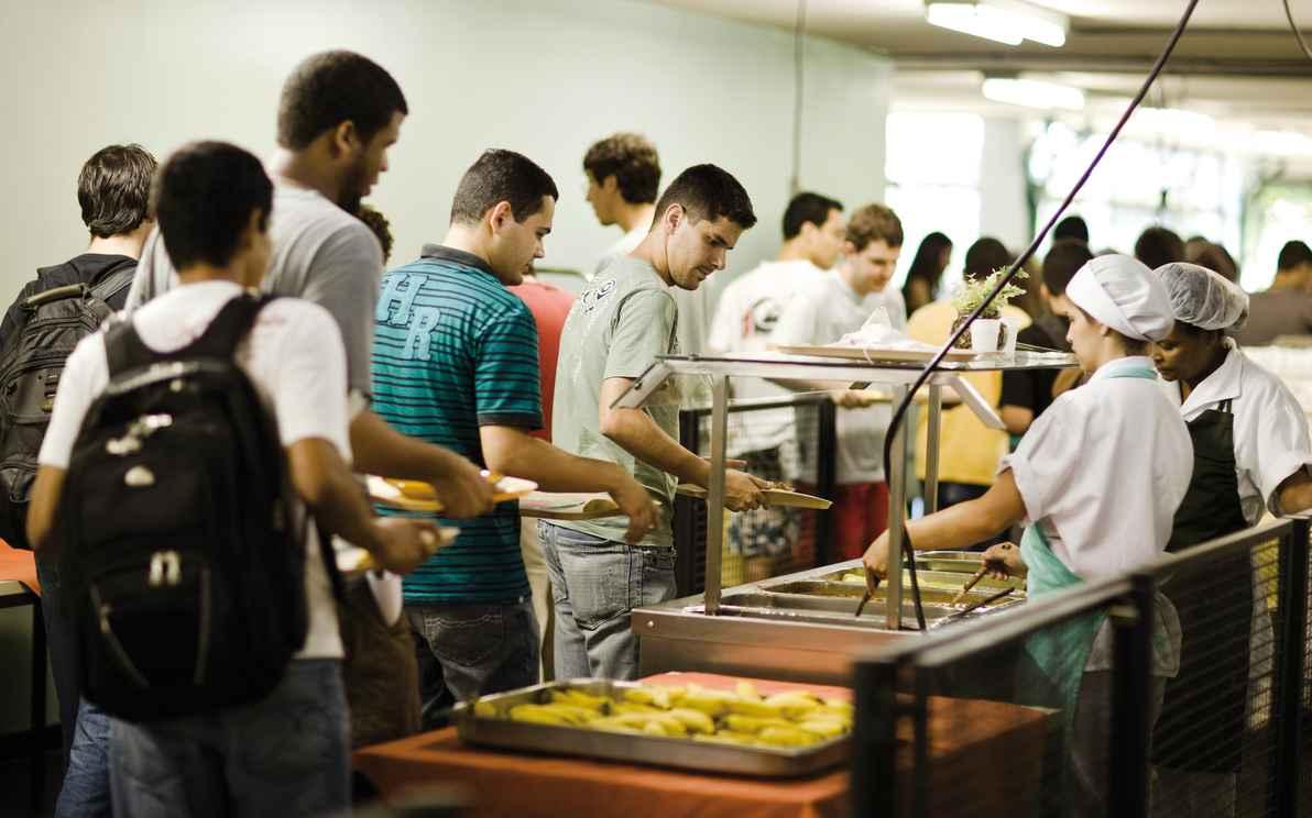 RUs da UFMG serviram 1,8 milhão de refeições em 2015