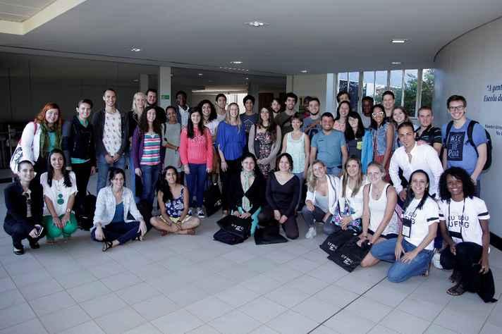 Grupo de estudantes internacionais que ingressou na UFMG no segundo semestre de 2016