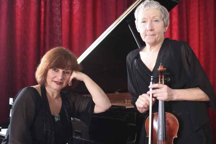 Ingrid Sotolarova e Anna Kratochvílová estão radicadas em Portugal