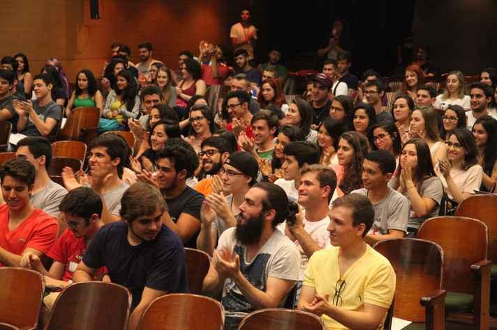 Atividade de recepção de calouros na Faculdade de Medicina, em 2016