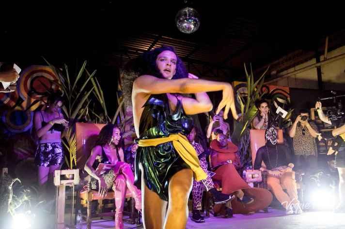Lázara dos Anjos apresenta performance no fim de semana