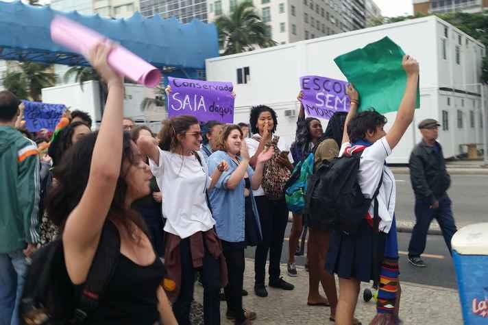 Estudantes do Colégio Pedro II, no Rio de Janeiro, fazem protesto contra consevadorismo na escola