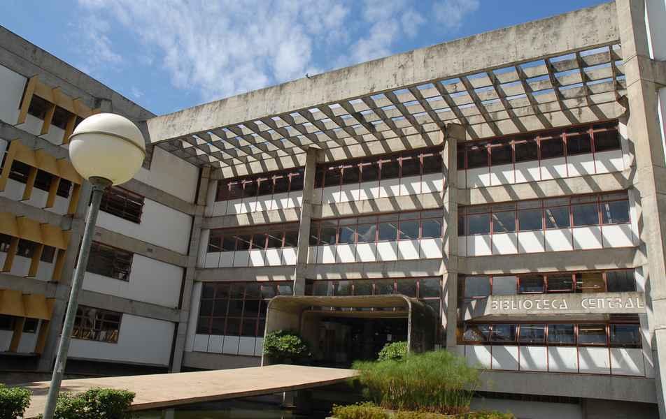 Prédio da Biblioteca Universitária, no campus Pampulha: