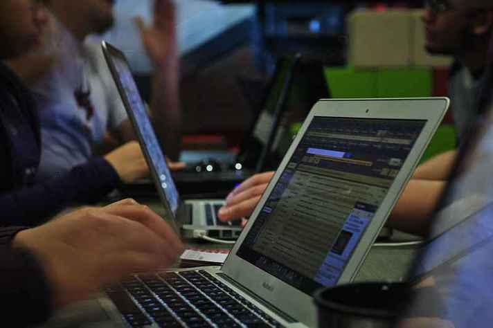Educação, política, informação e criação são os eixos temáticos do simpósio sobre cultural digital