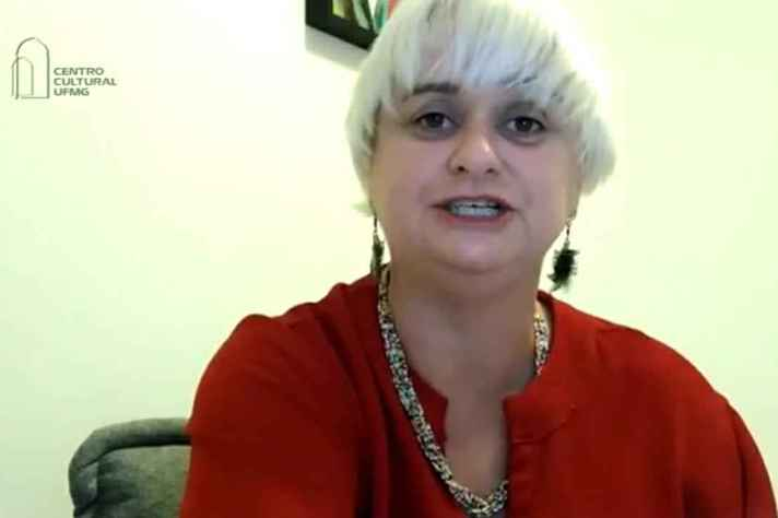 Deborah Rosária cita alternativas culturais para autocuidado da saúde mental