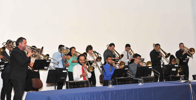 Coral de Trombones da UFMG apresentou-se na abertura da reunião