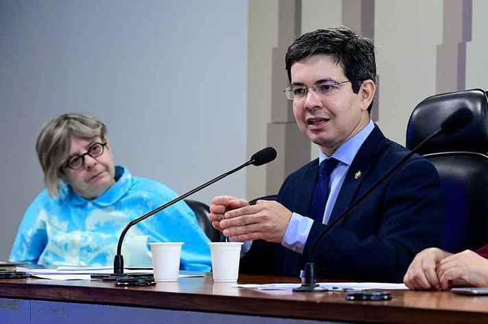 Heloisa Starling e o senador Randolfe Rodrigues