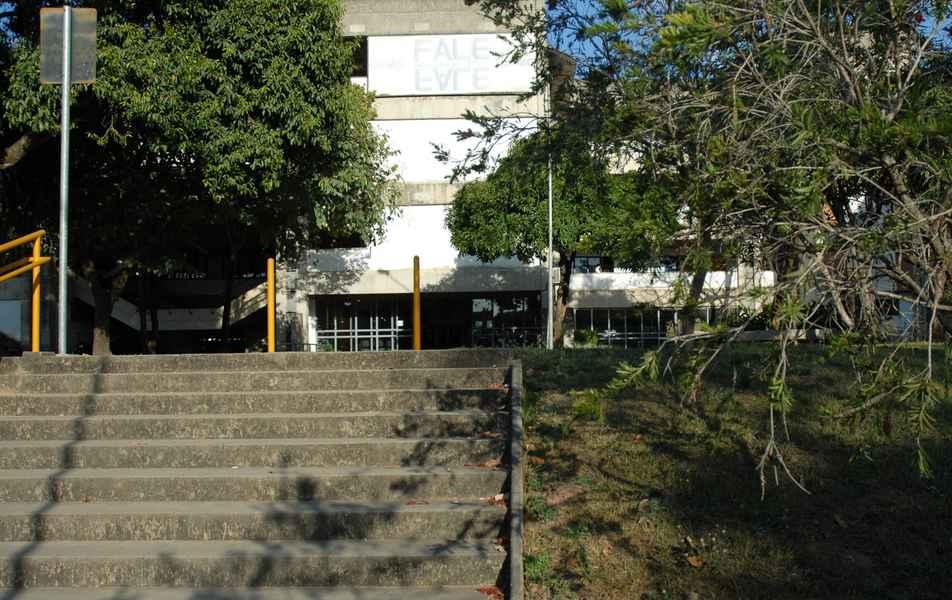 Faculdade de Letras (Fale)