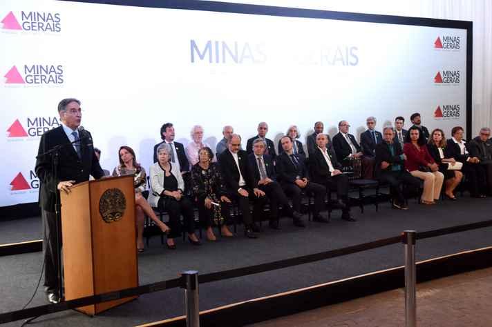 Cerimônia de entrega do relatório final da Comissão da Verdade ao governador Fernando Pimentel foi realizada no Palácio da Liberdade