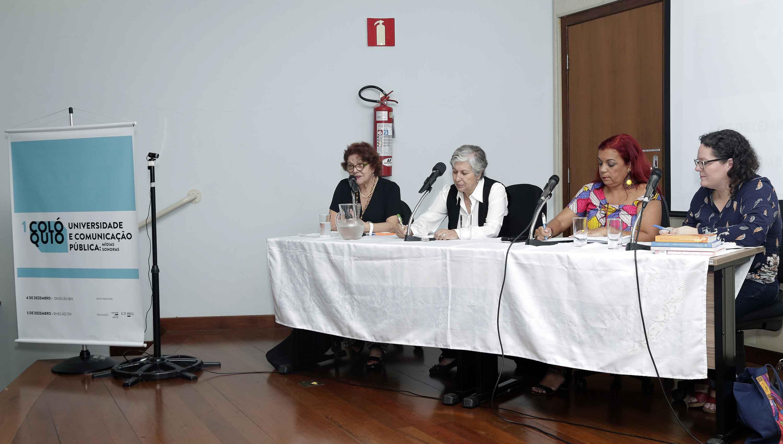 Heloiza Matos, Maria Céres Pimenta, Soraya Fideles e Ângela Marques na abertura dos trabalhos do colóquio