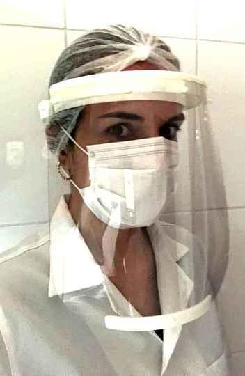 Protetores faciais são feitos de PETG