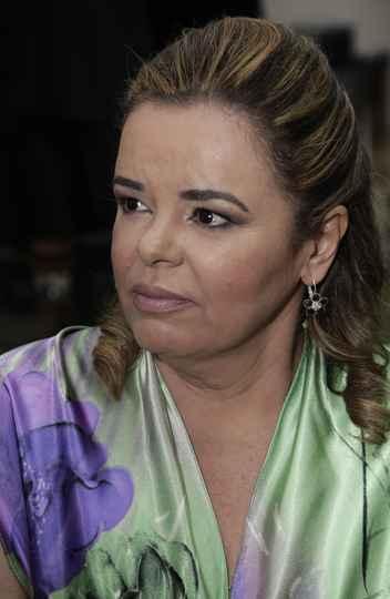 Cláudia Andrade de Barros recebeu a homenagem por indicação da Escola de Ciência da Informação (ECI)