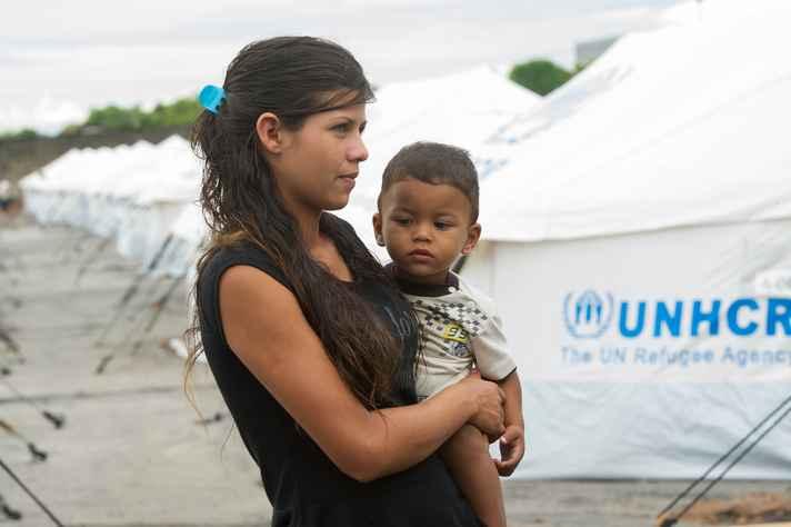 Crise dos refugiados é discutida pela articulista Leticia Rossi