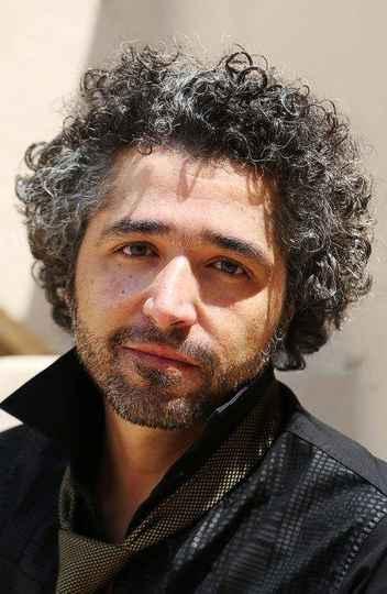 O cantor, compositor e professor de percepção musical da Escola de Música da UFMG, Kristoff Silva, ministra a oficina 'O Pulso e o Fluxo', no Festival de Inverno da UFMG.