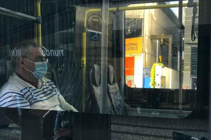 Pesquisa 'Perrengues no Busão' revela problemas no transporte público, durante a pandemia