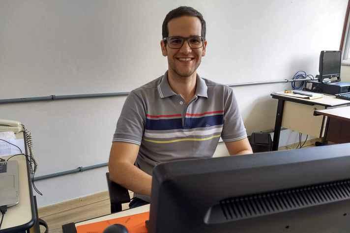 O professor do Departamento de Computação e Sistemas da Universidade Federal de Ouro Preto Filipe Nunes Ribeiro defendeu seu doutorado este ano na UFMG