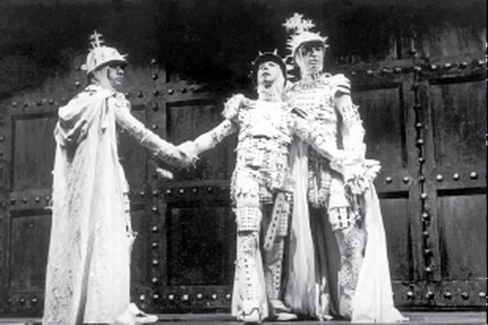 Cena de Numancia, peça montada pelo Teatro Experimental e proibida pela ditadura