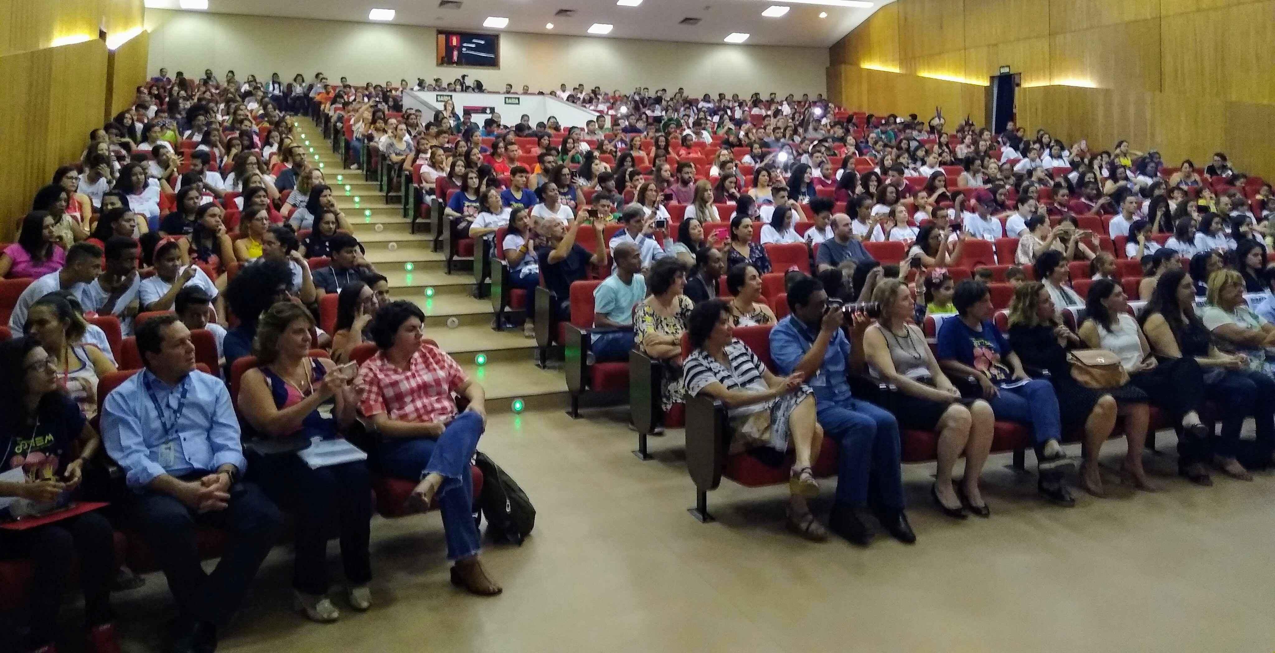Público lotou auditório do CAD 1, no campus Pampulha