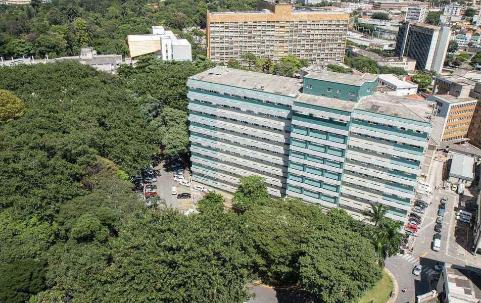 Vista do prédio da Faculdade de Medicina, que receberá a conferência