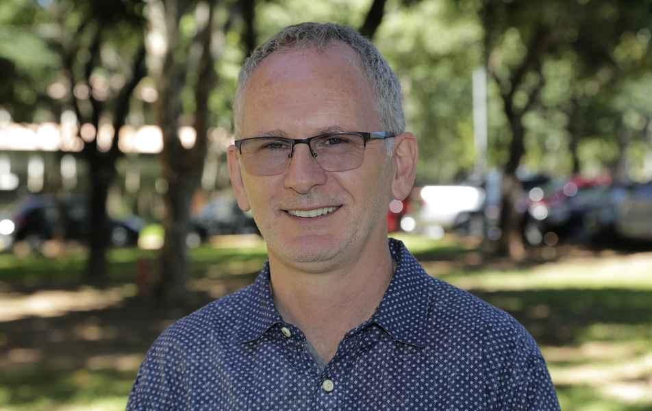 """<p>Diretoria de Processos Seletivos – Copeve<br><a href=""""http://somos.ufmg.br/professor/dario-windmoller"""" target=""""_blank"""">Dario Windmoller</a>, professor do Instituto de Ciências Exatas&nbsp;(ICEx)</p>"""