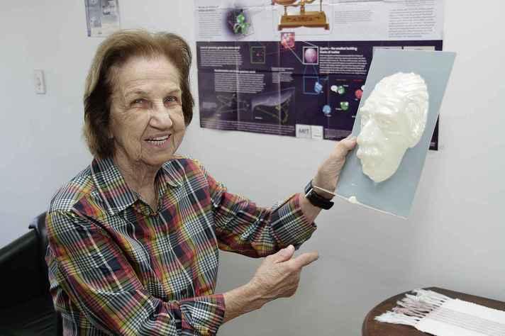 Beatriz Alvarenga fundou o Departamento de Física da UFMG