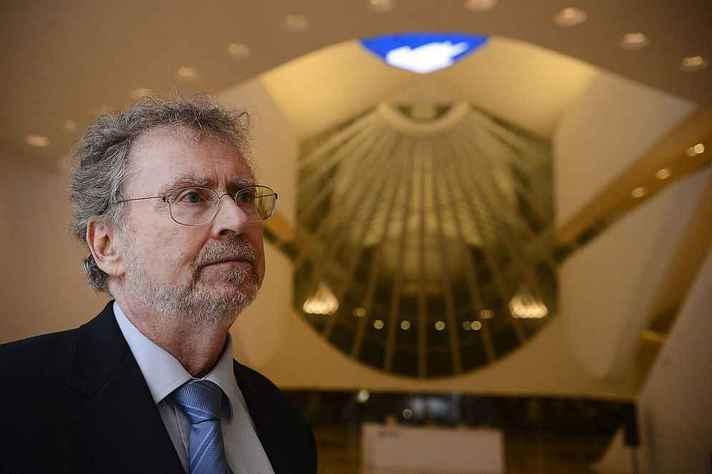 Luiz Davidovich é presidente da Academia Brasileira de Ciências