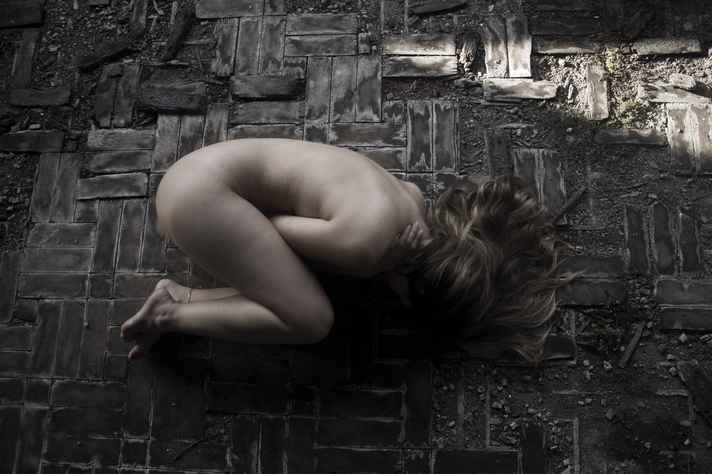 Foto do projeto Invisibilidade Social, que aborda a condição das mulheres, em especial as que estão em situação de rua: http://bit.ly/2zsu5P8