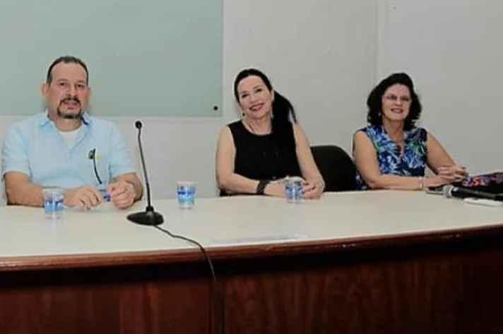 Os três organizadores do livro: Walder Emediato, Ida Machado e Gláucia Muniz