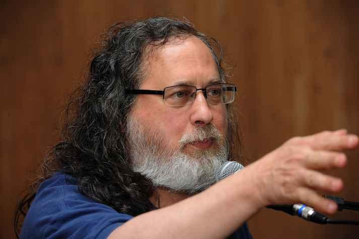 Stallman conclamou escolas e universidades a usar e ensinar apenas software livre