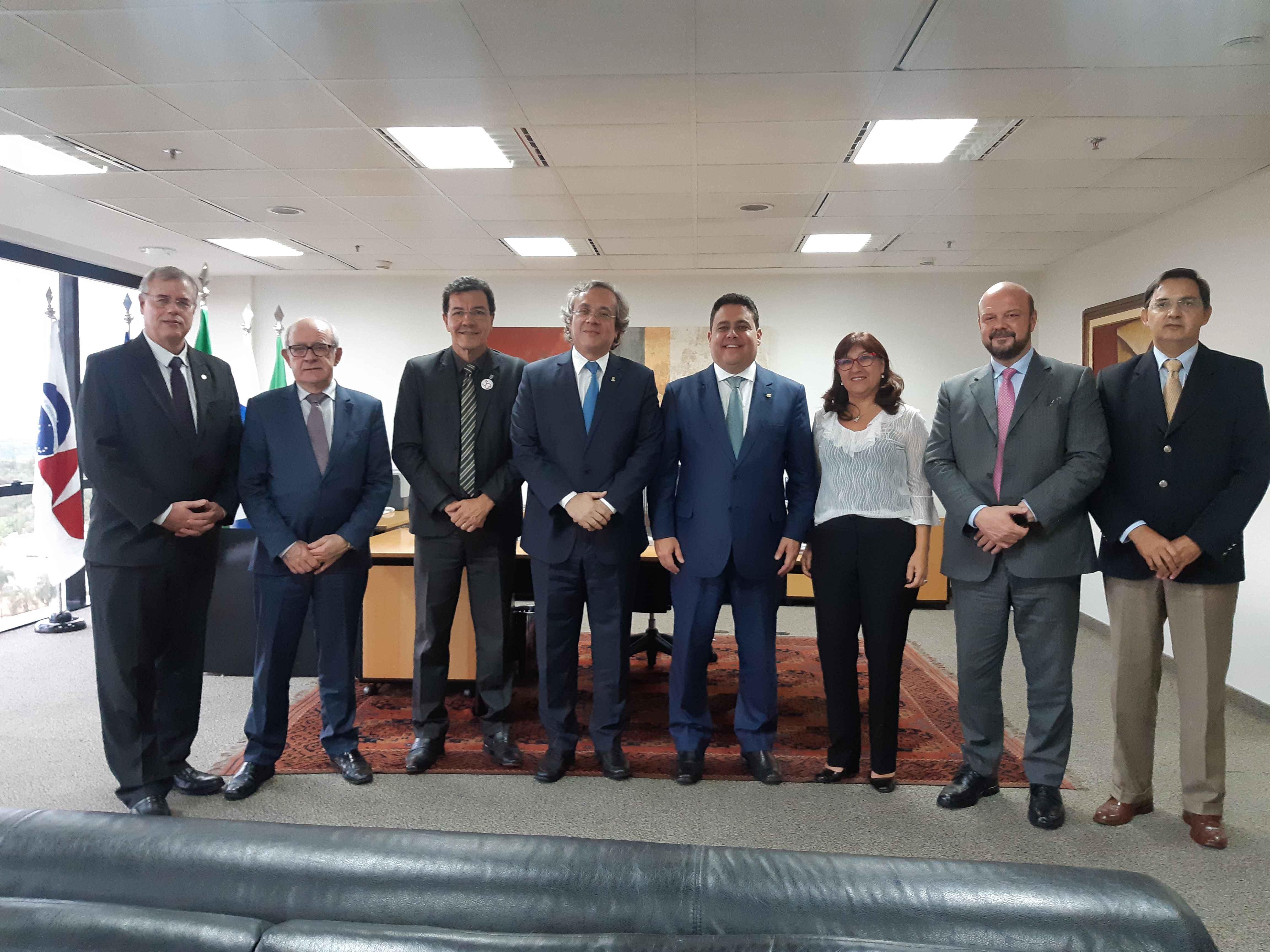Dirigentes da OAB e da Andifes que instalaram a comissão