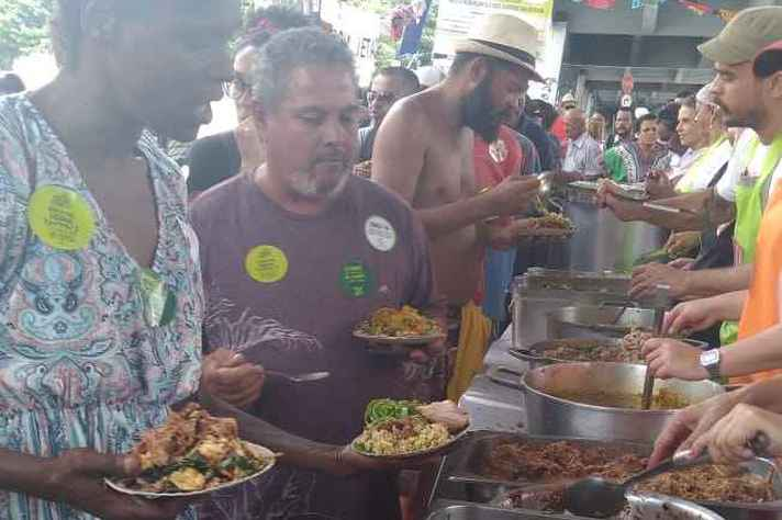Banquetaço distribuiu 15 mil refeições no Viaduto Santa Tereza
