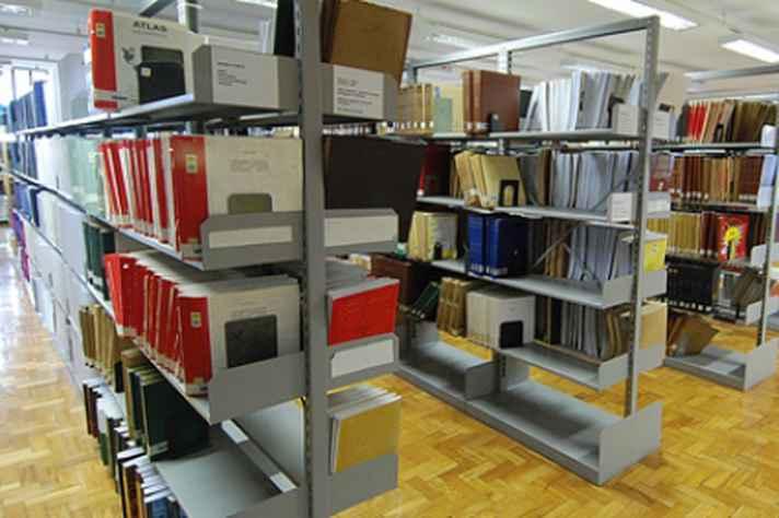 Situação dos bibliotecários após alterações na rede de ensino será tema de debate