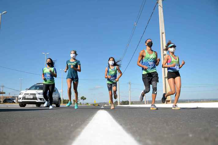 Máscara durante prática de atividade física é recomendada por especialistas
