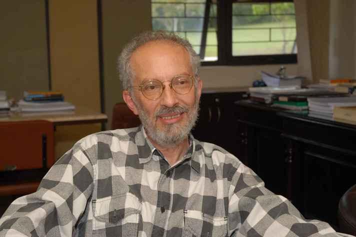 Jacyntho Lins Brandão, professor da Fale