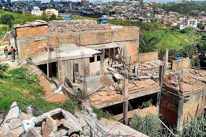 Em 2011, construções irregulares na Vila São Bento foram demolidas