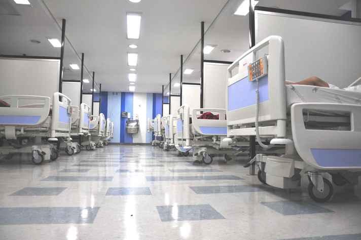 Enfermaria do Pronto-socorro do Hospital das Clínicas: