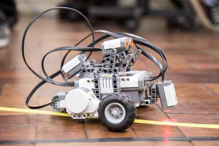 Competição reúne protótipos autonômos seguidores de linha