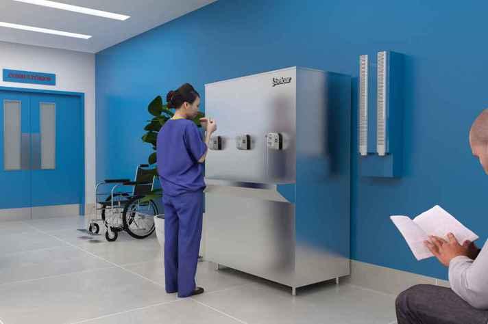 Adaptadores doados aos hospitais da UFMG automatizam torneiras e bebedouros de forma a possibilitar seu uso sem nenhum contato físico
