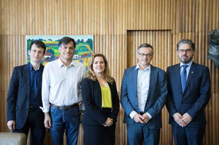 A partir da esquerda, André Miatello, Luiz Carlos Villalta, Sandra Almeida, Patrick Gilli e Fábio Alves