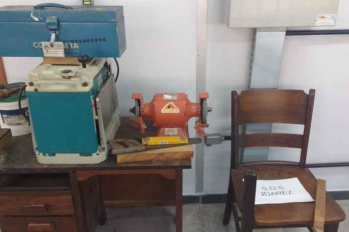 Memória do carpinteiro aposentado Joarez de Souza é resgatada na antiga oficina