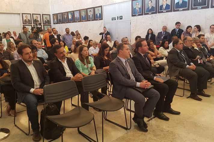 Em evento realizado no Salão Nobre, foi instaurado o Fórum Técnico para debater a ciência, a pesquisa, a tecnologia e a inovação como propulsoras do desenvolvimento econômico e social do Estado