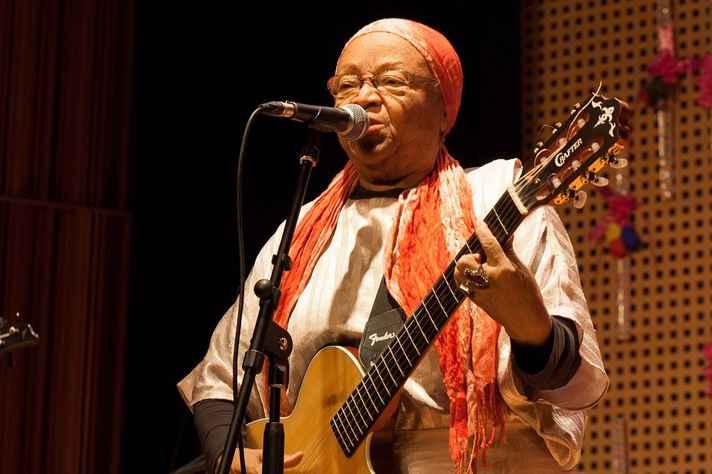Dona Jandira começou tardiamente a sua carreira musical