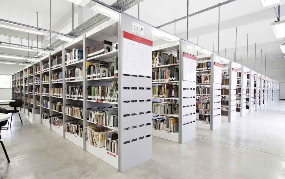 Biblioteca da Faculdade de Ciências Econômicas, no campus Pampulha