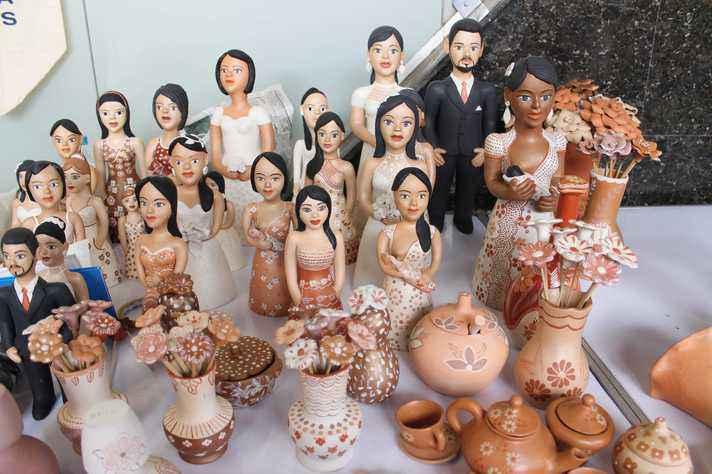 Peças em exposição na Feira de Artesanato do Vale do Jequitinhonha