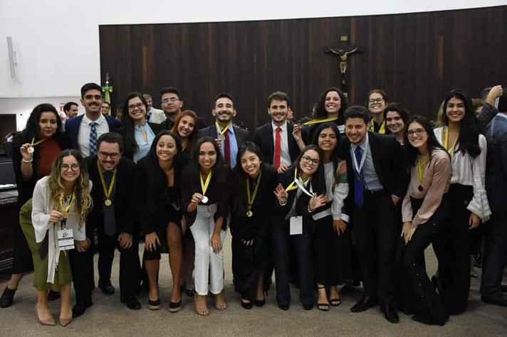 Equipe do Departamento de Direito e Processo Civil e Comercial da UFMG