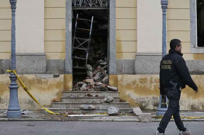 Coluna analisa tragédia no Rio