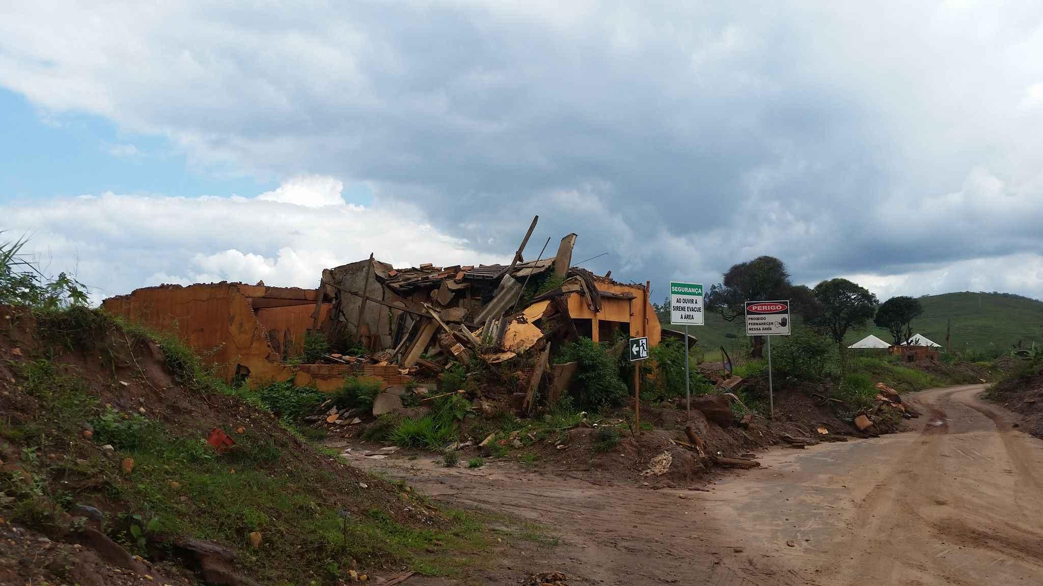 Distrito de Bento Rodrigues, em Mariana, foi arrasado pela lama em 2015
