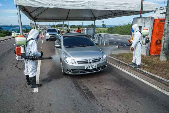 Barreira sanitária em Manaus, cidade onde foi detectada a variante P.1 do coronavírus